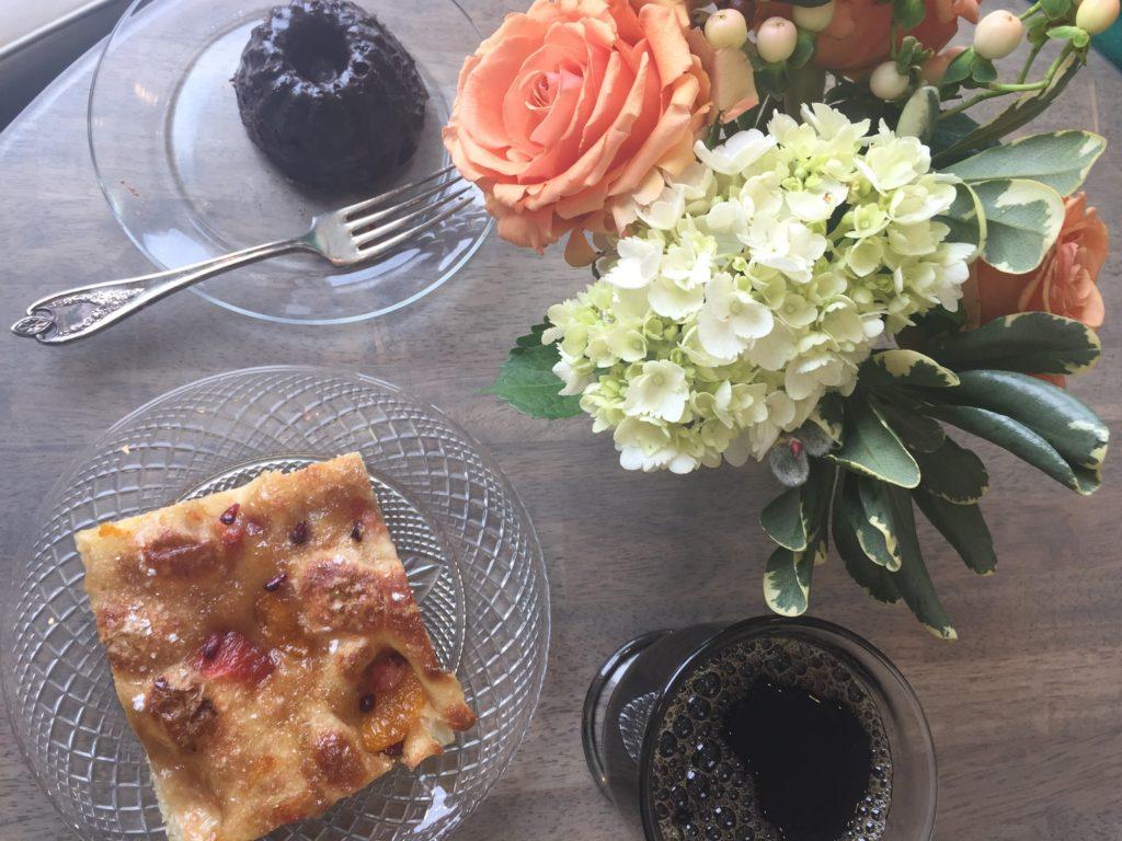 Chocolate Mini Bundt Cake Flowers & Bread
